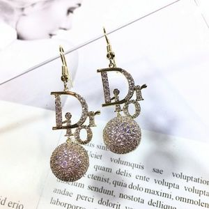 D I O R earrings with box